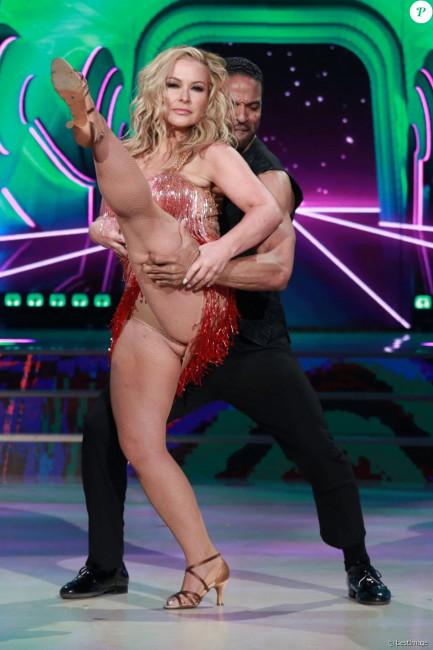 Шок дня! Певица Анастейша на танцевальном конкурсе