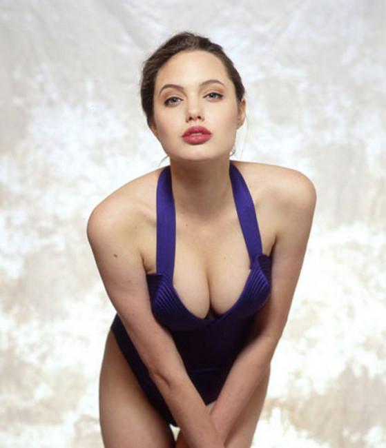 Ретрофото. Анджелина Джоли в 16 лет