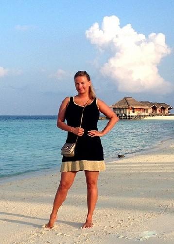 Анна Семенович опубликовала пляжные фото с Мальдив