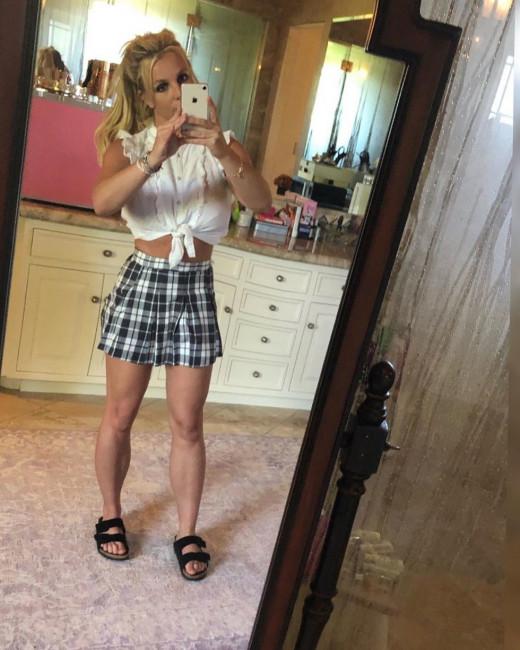 Бритни Спирс облажалась с фотошопом