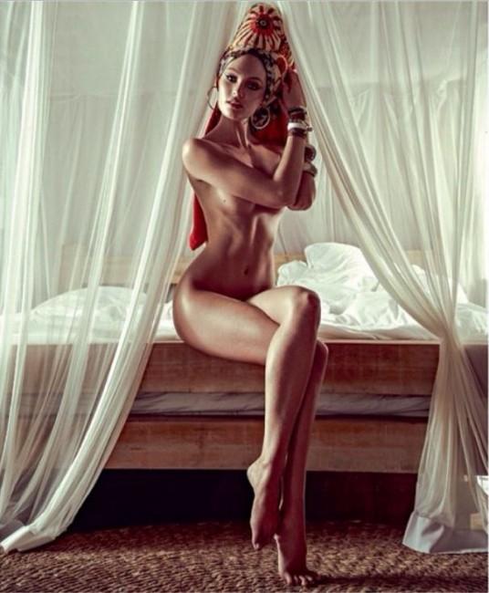 Супермодель Кэндис Свэйнпол в январском Vogue