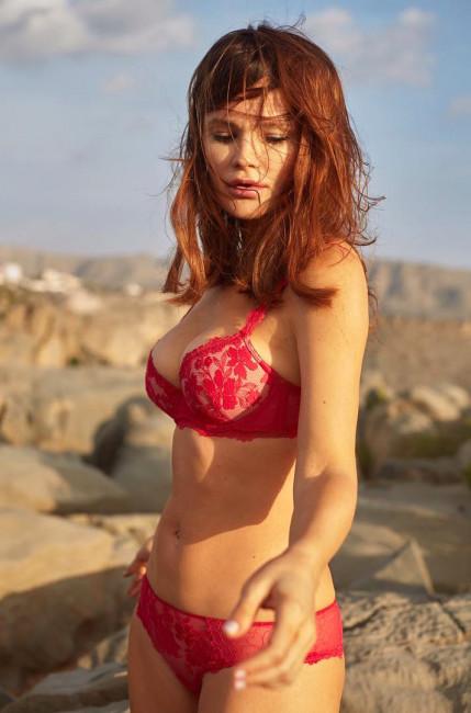Дарья Чаруша в эротической фотосессии