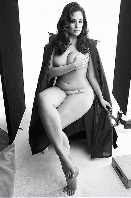 Модель «больших размеров» Эшли Грэм снялась полностью голой для глянца