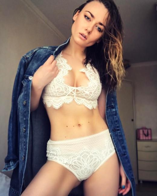 Ингрид Олеринская поразила поклонников эротическим фото