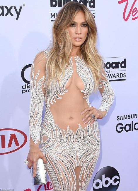 Откровеннейший наряд Дженнифер Лопес на церемонии Billboard Music Awards