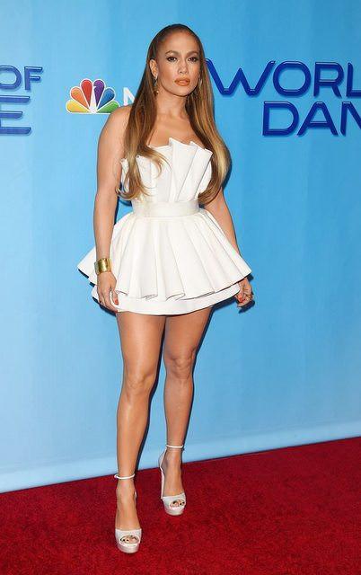 48-летняя Дженнифер Лопес в ультра-мини-платье