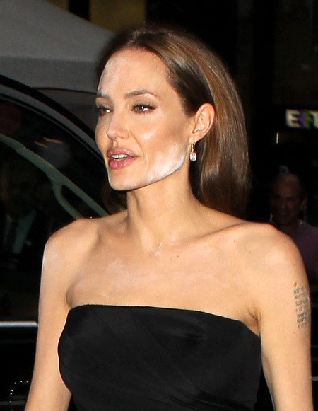 Анджелина Джоли не рассчитала с макияжем