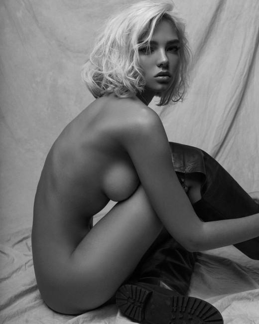 Алеся Кафельникова удивила внезапно выросшей грудью