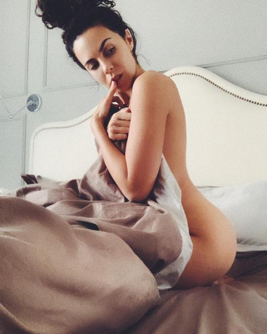 Настя Каменских порадовала фанатов голым фото