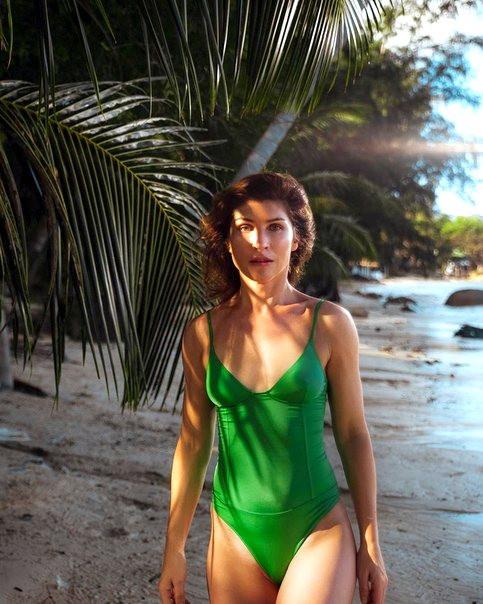 Светлана Камынина (Кисегач из «Интернов») показала фигуру в бикини