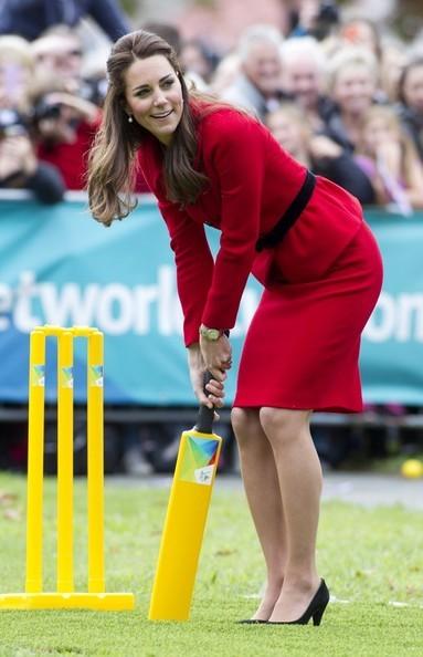 Кейт Миддлтон сыграла в крикет