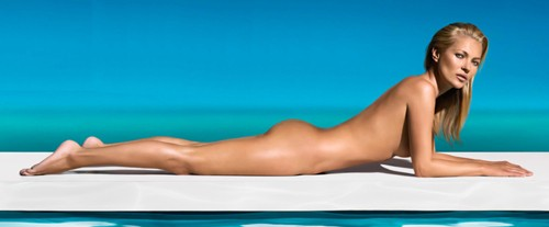 Голая Кейт Мосс в рекламе автозагара