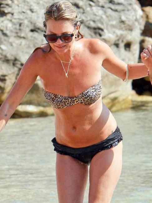 Кейт Мосс в бикини на Ибице