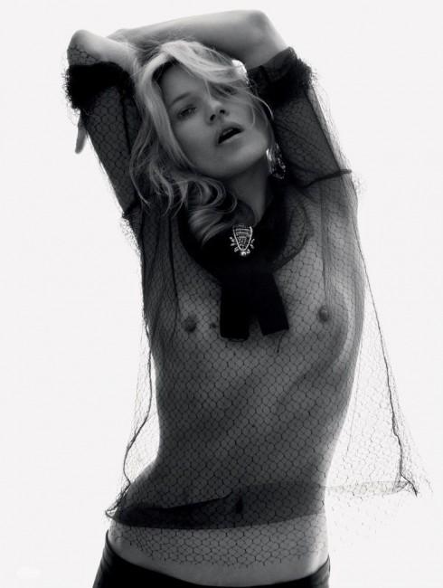 Кейт Мосс топлесс в журнале Love Magazine