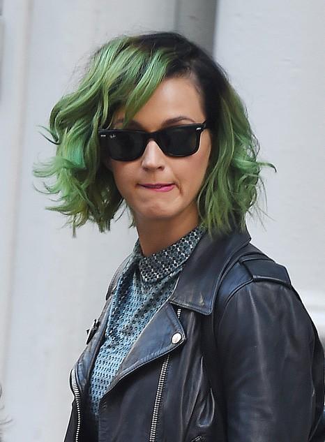 Кэти Перри стала зелёноволосой