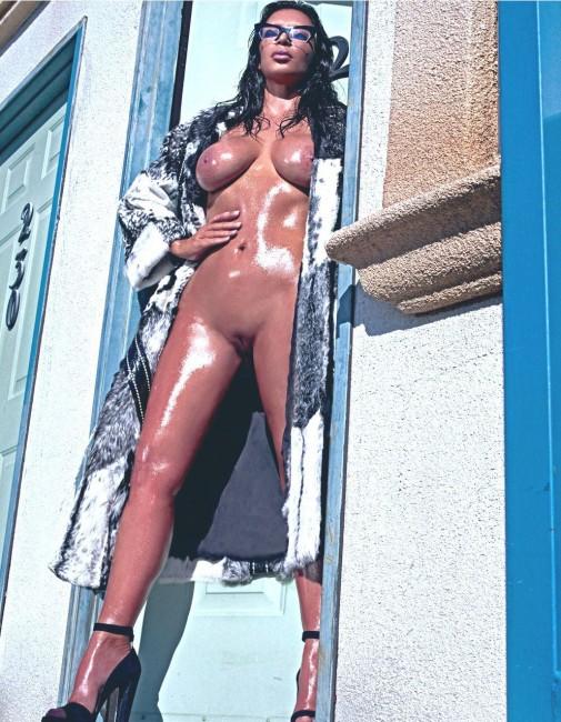Ким Кардашьян в Love Magazine