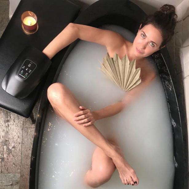 Екатерина Климова показала, как принимает ванную