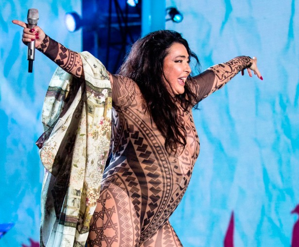 Лолита Милявская на фестивале «Жара» в Баку