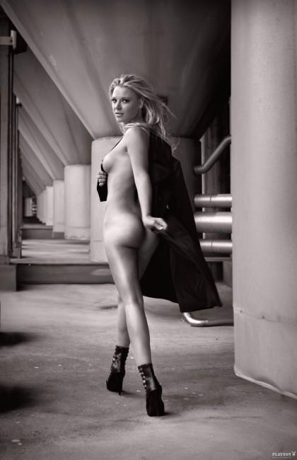 Немецкая биатлонистка Мириам Гёсснер в журнале Playboy