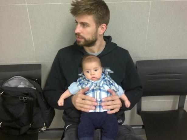 Жерар Пике с 10-недельным сыном