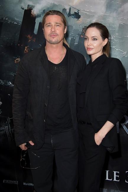 Брэд Питт и Анджелина Джоли на премьере фильма «Война миров Z» в Париже