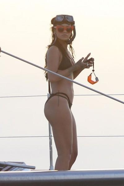 Рианна занимается дайвингом на Барбадосе