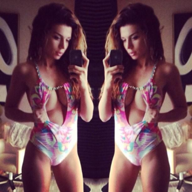 Анна Седокова готовится к пляжному сезону