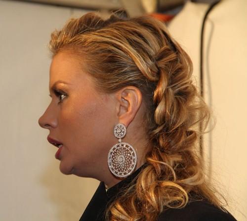 Второй подбородок Анны Семенович
