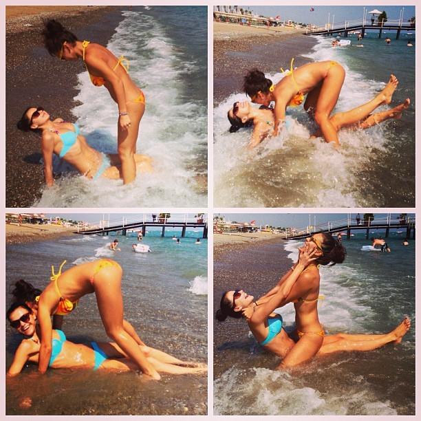 Пляжные забавы Елены Темниковой и Ольги Серябкиной