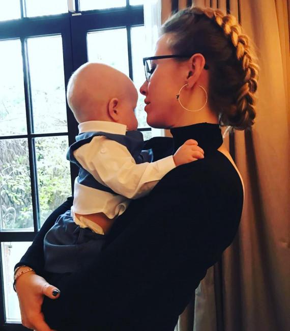 Ксения Собчак опубликовала трогательное фото с годовалым сыном Платоном