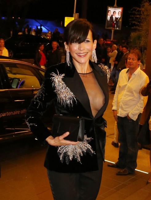 Софи Марсо оголила грудь на Каннском кинофестивале