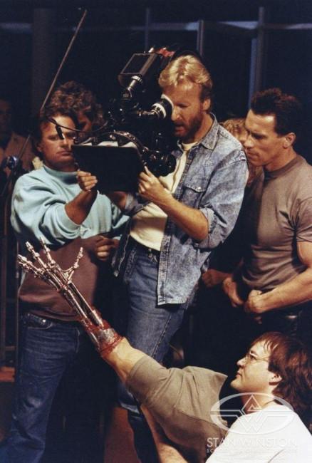 Ретрофото. Джеймс Кэмерон и Арнольд Шварценеггер на съёмках «Терминатора». 1984 год