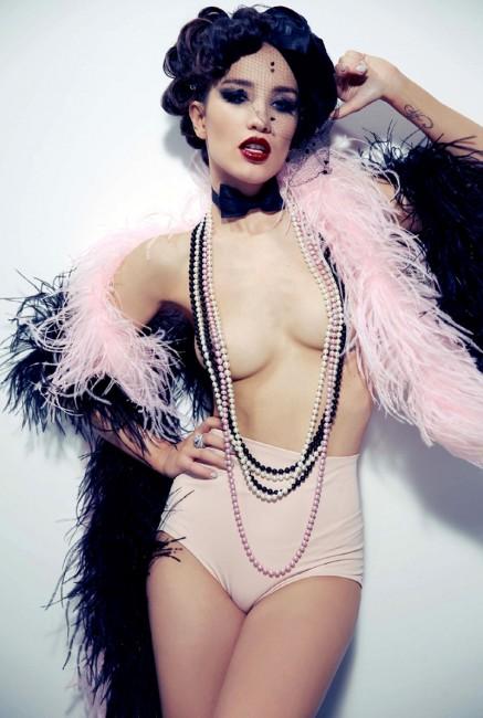 Виктория Дайнеко в сентябрьском Playboy