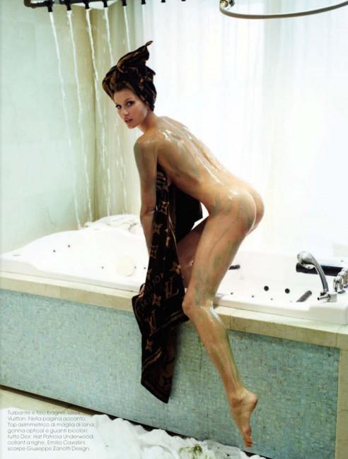 Топ-модель Жизель Бундхен в июньском Vogue
