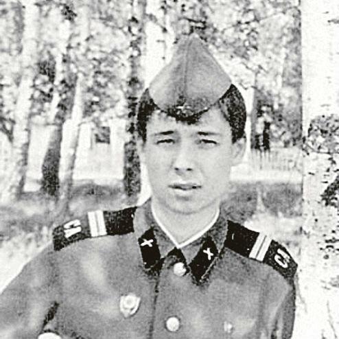 Ко дню защитника отечества. Модельер Сергей Зверев в армии