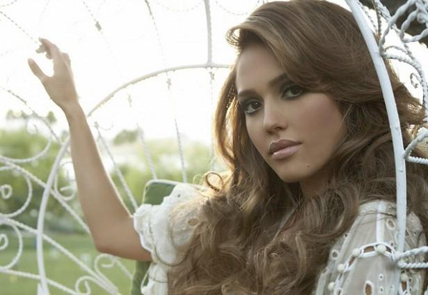 17. Джессика Альба