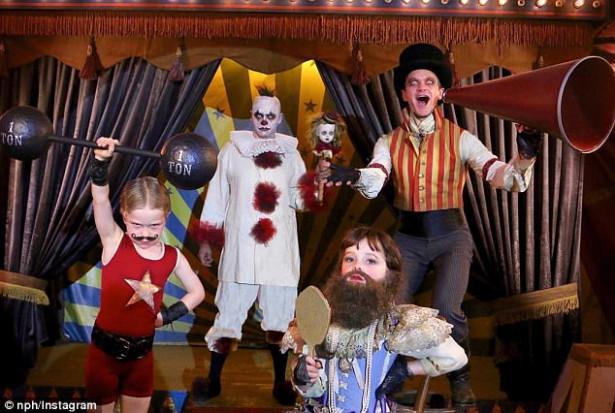 Актерская гей-пара Нил Патрик Харрис и Дэвид Бартка с детьми