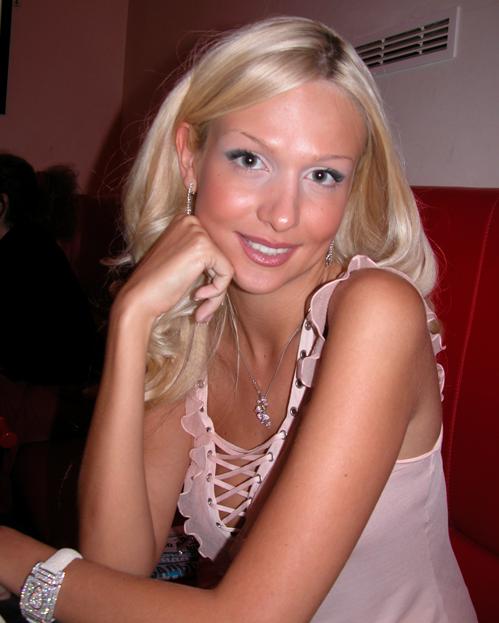 Сексуальные фотографии и видео Виктория Лопырева и других звезд на сайте Starsru.ru