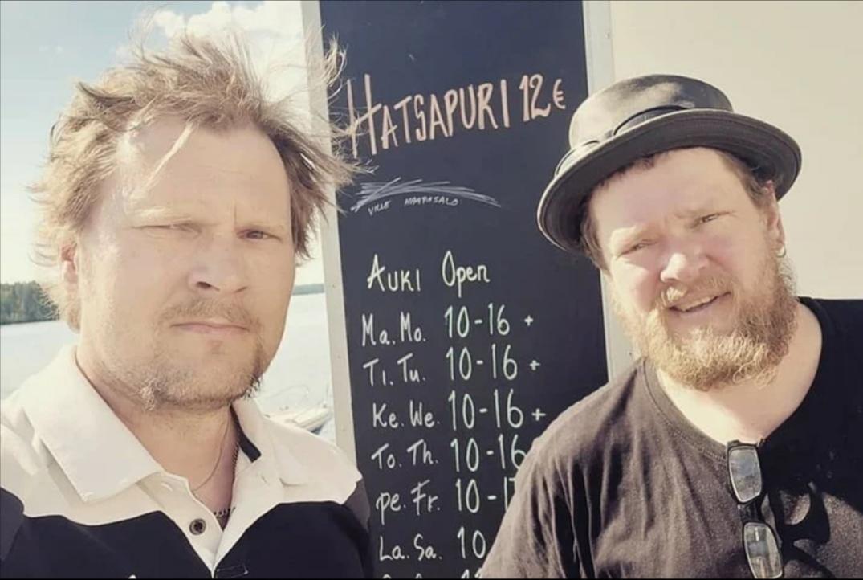 Известный актер российского кино из-за отсутствия работы вынужден торговать хачапури